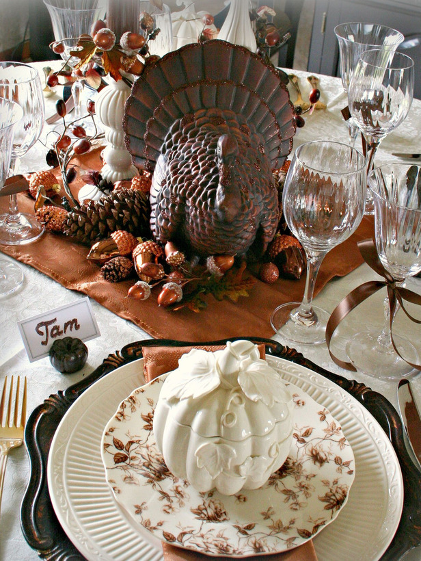 RMS-Tamgypsy_thanksgiving-table-setting_hgtv